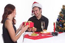 Что подарить на новый год 2014 парню?