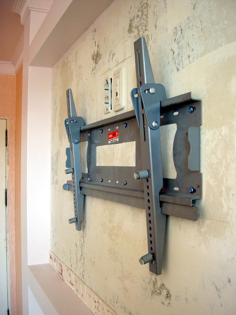 Крепеж на стену для телевизора сделать своими руками 39
