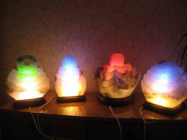 Цветовое излучение солевой лампы